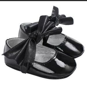 NWOT-Baby Girl's Faux Leather Bowknot Dress Shoe